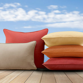 "17TW - 17"" Throw Pillows with a welt"
